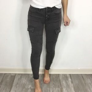 AEO Hi-Rise Jegging ankle zippers cargo pockets